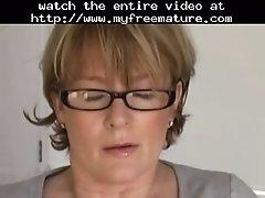 Sie macht es sich mature mature porn granny old cumshot
