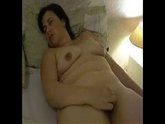 Milf masturbating