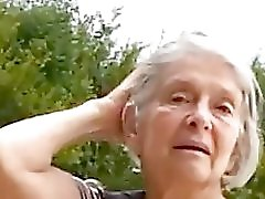 Teaser Granny in the park