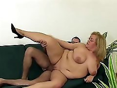 Hot Fat Horny Slut Freezes Repairman Helps Her Get Warm!