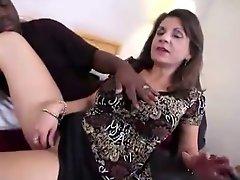 Amateur brunette MILF IR assfucked