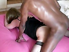 Sluty mature crossdresser drilled by ebony