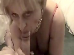 Amateur cocksuker mature swallows