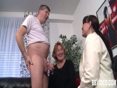 German slags masturbating in threesome