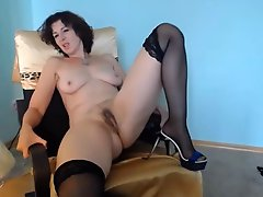 Virtual fucking a 48 year old MILF