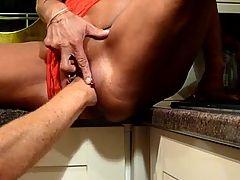 Die totale Verwoehnung mit Fingern Fisten Ficken Spritzen
