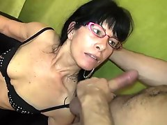MARIE MILF A LUNETTES CASTING