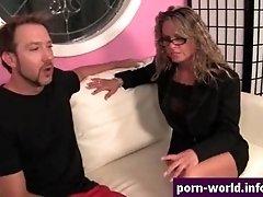 Amanda blow gives rimjob