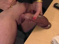Pervert granny with big clit play on cam