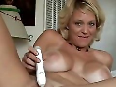 Happy huge breasted blonde wife of my buddy knows how to have fun 319900