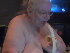 Banana teaser