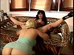 Two Sexy Milfs Take Turns Tonguing Each Other Until They Cum