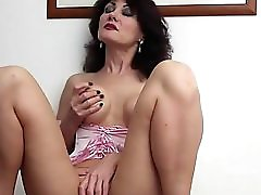 KarupsOW Busty Older Amateur Melissa Pussy Play