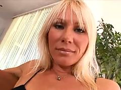 CARESSE Hot Mature gets an Anal poking