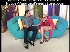 Blonde mature fucks her young friend mature mature por