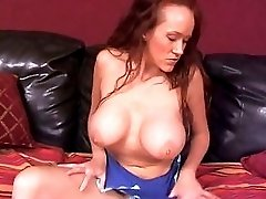 Big tits hottie masturbating solo