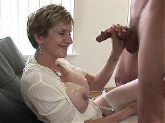 Mature goddess gets awesome cumshot